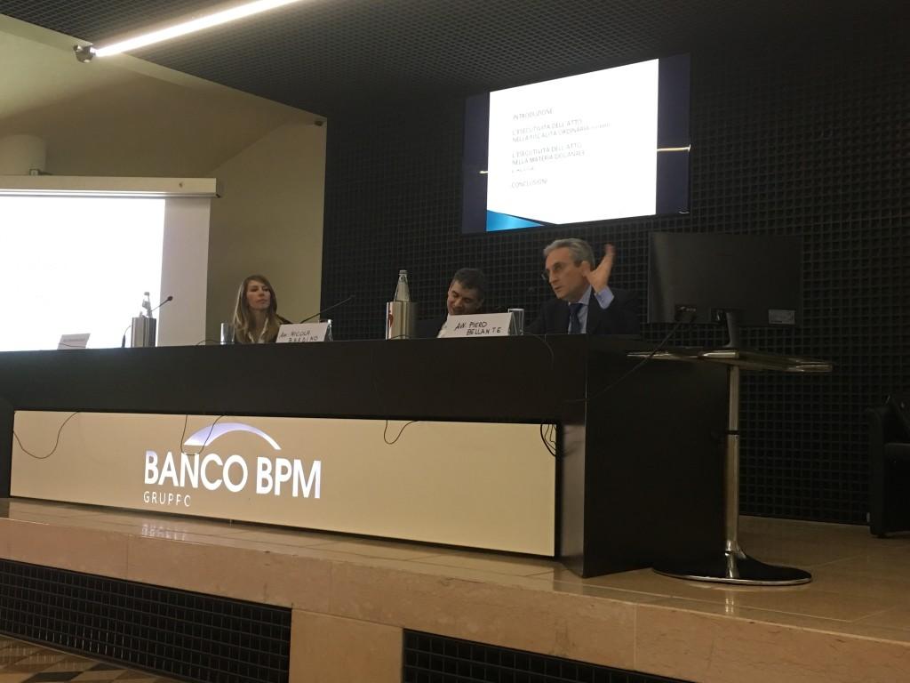 L'avv. Simonetta Bissoli dell'Ordine Avvocati di Verona introduce i relatori della Camera, l'avv. Nicola Bardino e l'avv. Piero Bellante